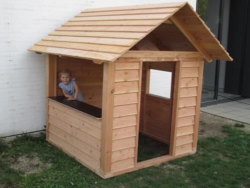 spielhaus aus l rchenholz. Black Bedroom Furniture Sets. Home Design Ideas